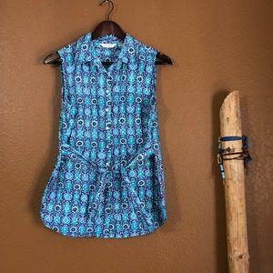 Liz Claiborne Blue Abstract Sleeveless Button Down